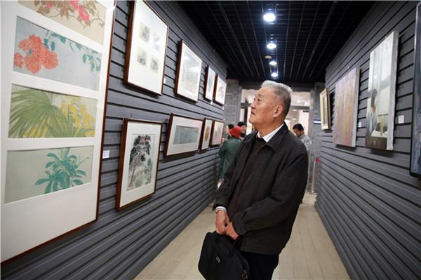 """华东师大""""砥砺奋进:纪念改革开放40周年书画展""""开幕"""